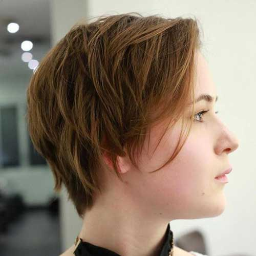 Short Layered Haircuts for Women-12