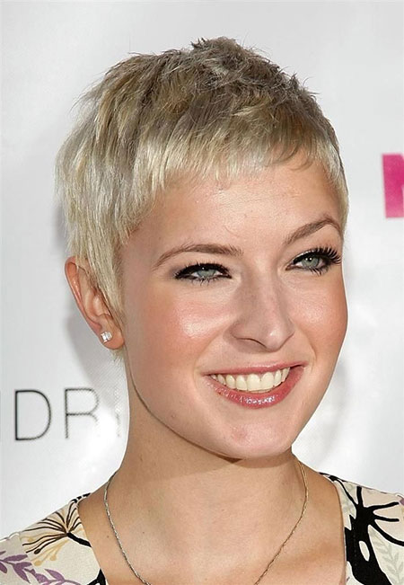 Short Women Pixie Haircuts