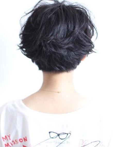 Short Layered Hair View