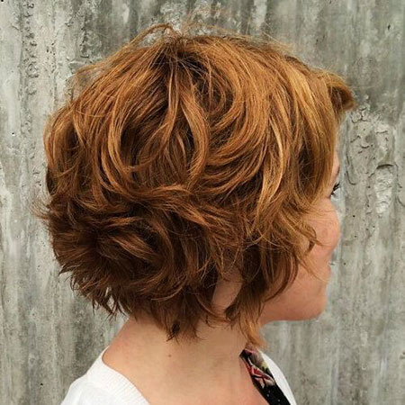 Short Layered Wavy Hairtyle, Short Layered Curly Wavy