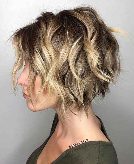 Choppy Bob Wavy Short
