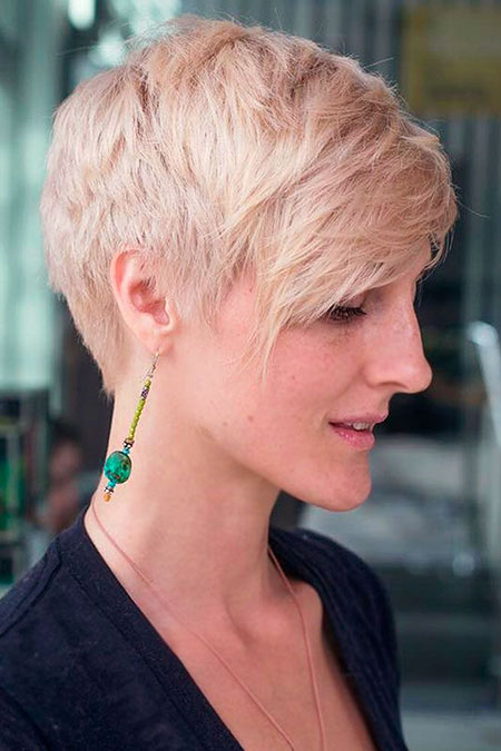 Short Haircuts Pixie Women