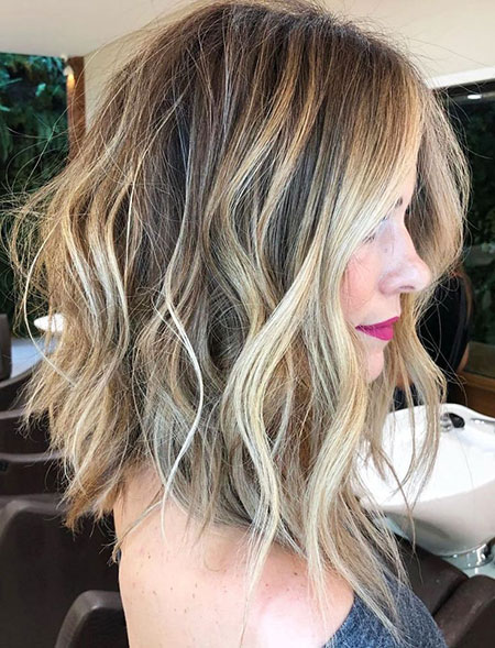 Balayage Wavy Highlights Lob