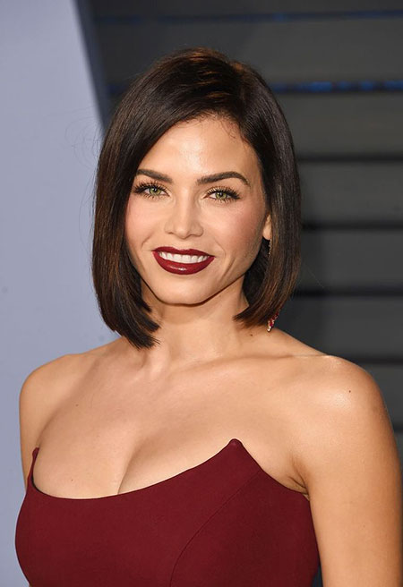 Straight Bob, Hair Selena 20 Time