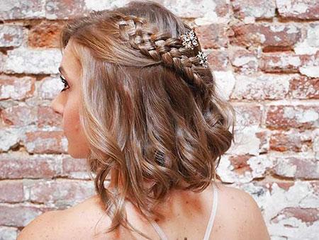 Hairtyles Up Half Bridesmaids