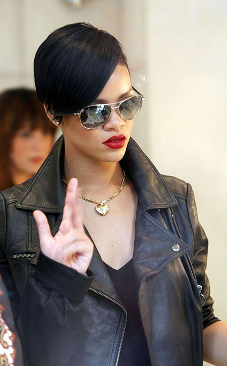 Rihanna Dark Short Hair, Pixie Layered Rihanna Lee