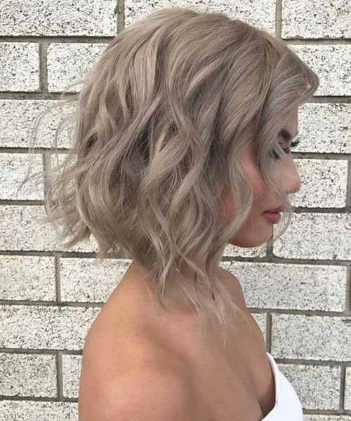 Short Wavy Blonde Hair-12