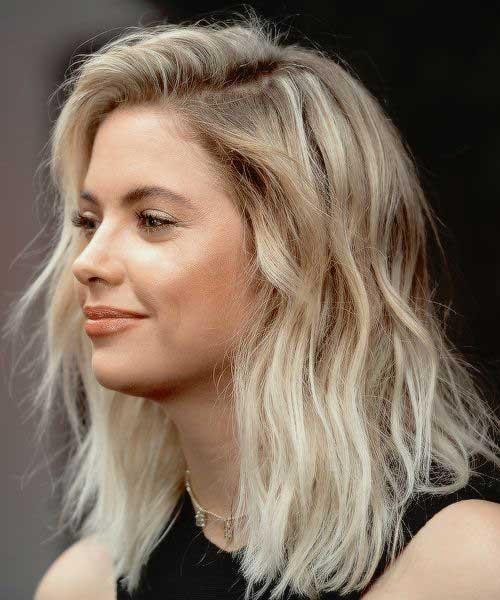 Short Wavy Blonde Hair-19