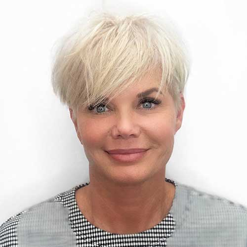 Women With Short Hair Style