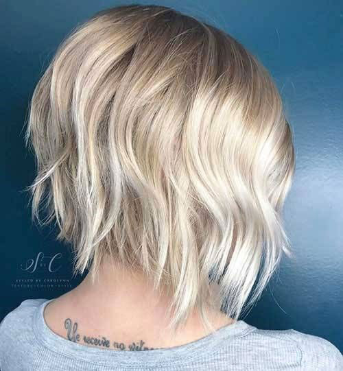 Short Layered Haircuts for Women with Fine Hair-11