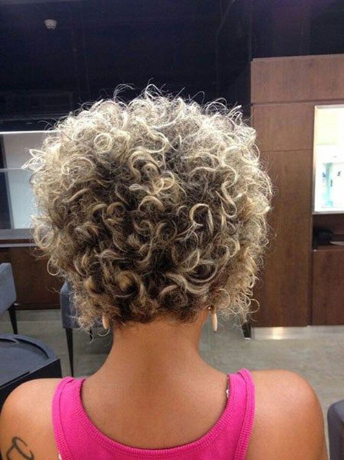 Stacked Hairstyles for Short Curly Hair-11