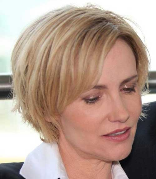 Short Blonde Hairstyles for Over 40-13