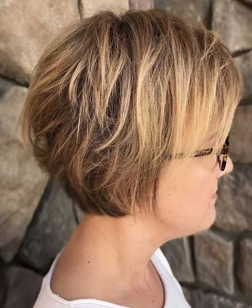 Short Layered Hairstyles for Over 40-14
