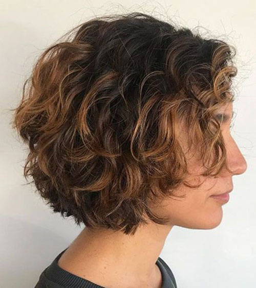 Hairstyles for Short Wavy Curly Hair-15