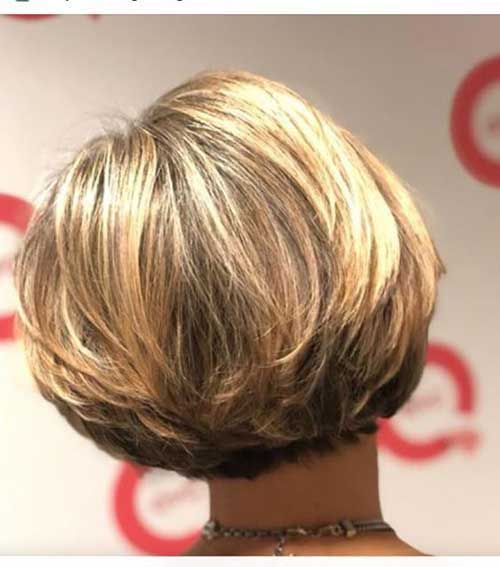 Short Thick Hairstyles for Over 40-15