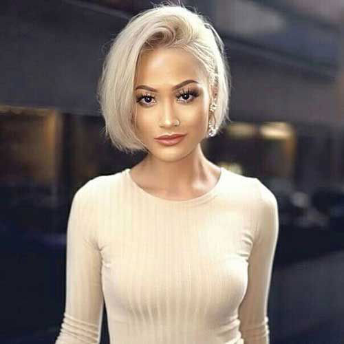 Short Haircuts for Women with Fine Straight Hair-16