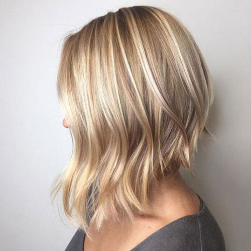 Short Angled Haircuts for Women with Fine Hair-17