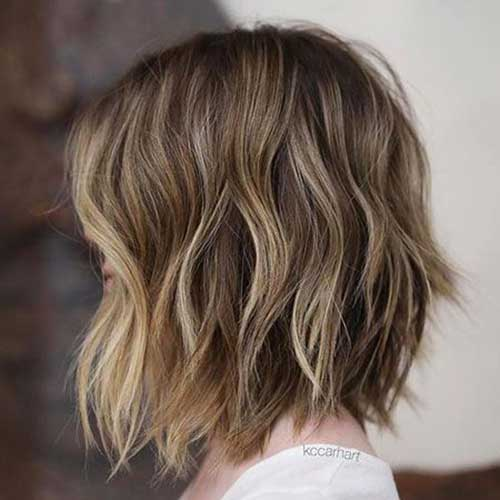 Short Choppy Hairstyles for Over 40-17