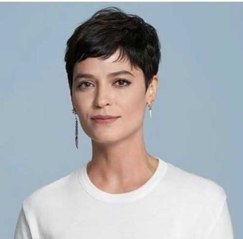 Easy Short Pixie Haircuts-18