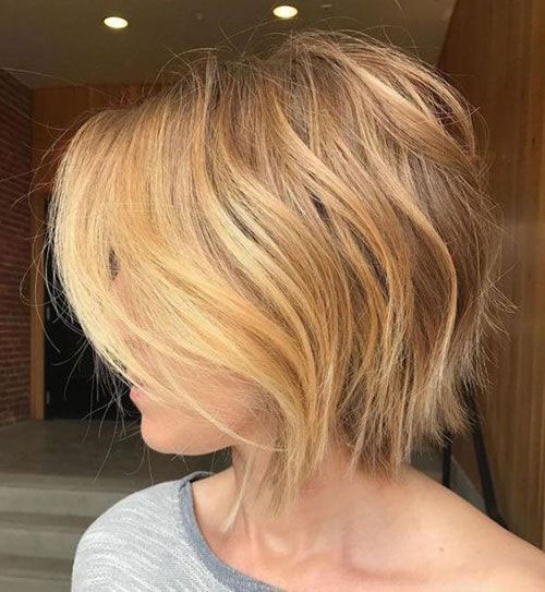 Short Graduated Haircuts for Women with Fine Hair-19