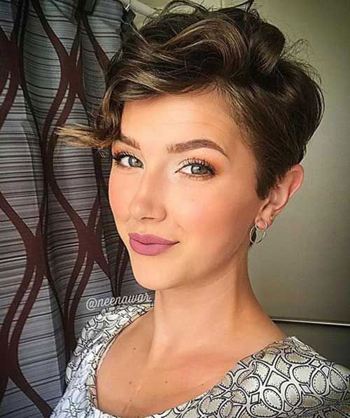 Side Pixie Hairstyles for Short Curly Hair-19