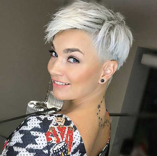 Short Hairstyles for Over 40-21