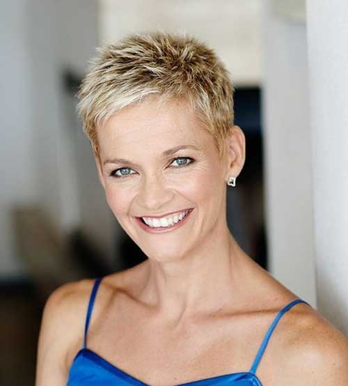 Short Pixie Haircuts-27