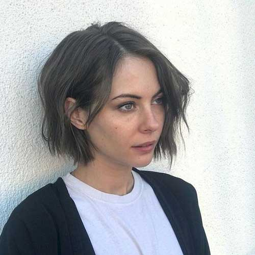 Cute Wavy Short Haircuts-8