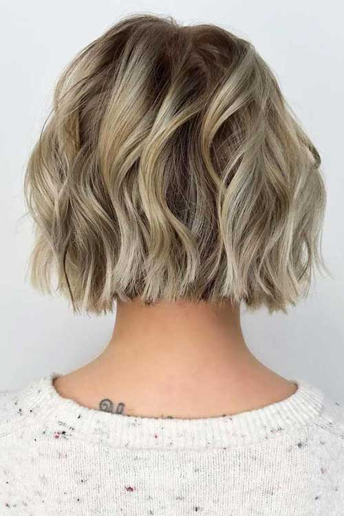 Bob Haircuts for Wavy Hair-19