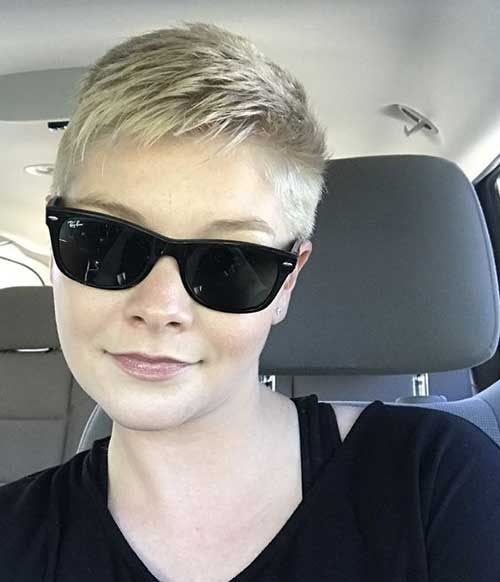Blonde Pixie Hairstyles-22