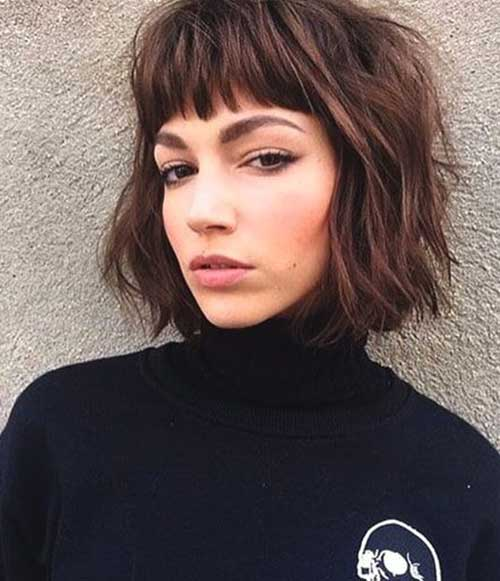Bob Haircuts for Wavy Hair-9