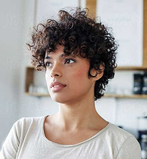 Hairstyles for Short Natural Curly Hair-10