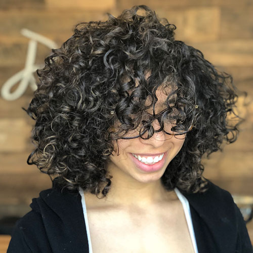 Short Curly Hair For Round Face